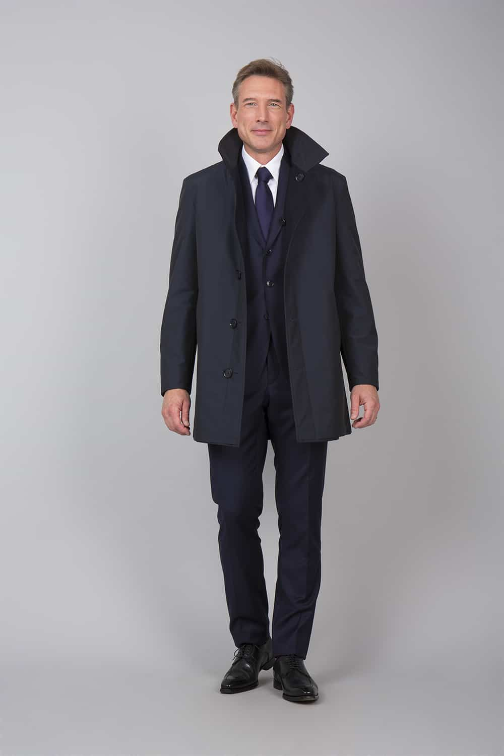 face trench coat