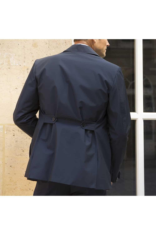 sur veste dos tailleur
