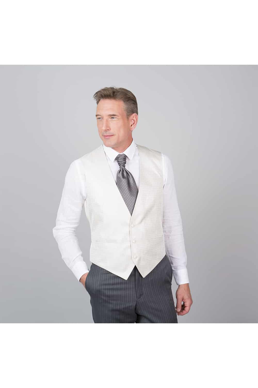 cérémonie tenue grise gilet blanc tailleur vestons