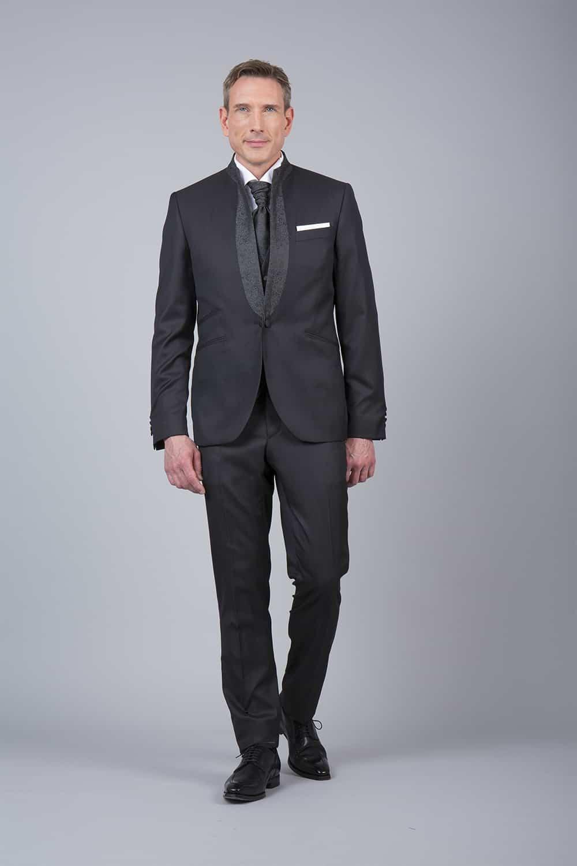 C04N – Attire groom tailor made 4 piece