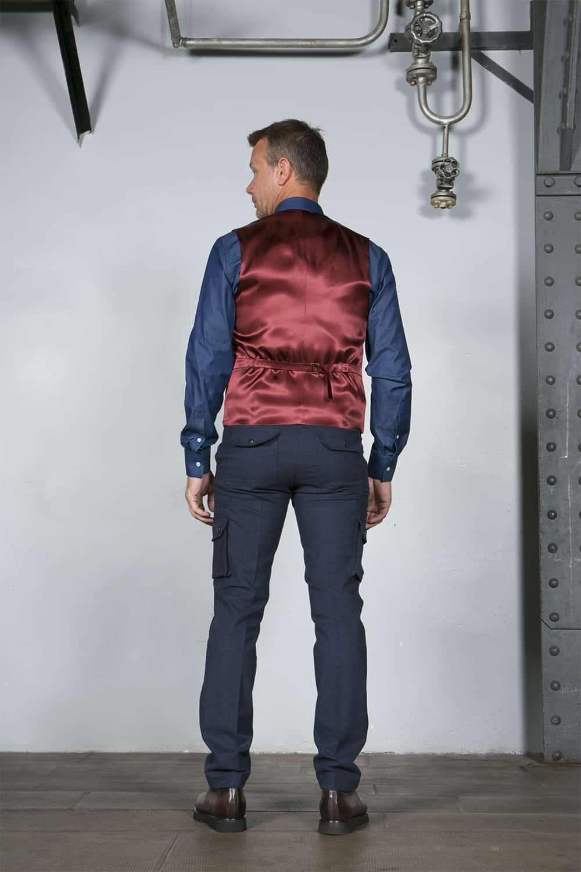 gilet dos rouge costume bleu coton