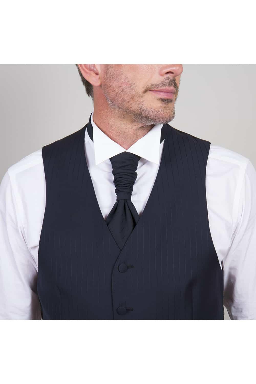 cérémonie tenue de mariage redingote bleue tailleur paris cravatière