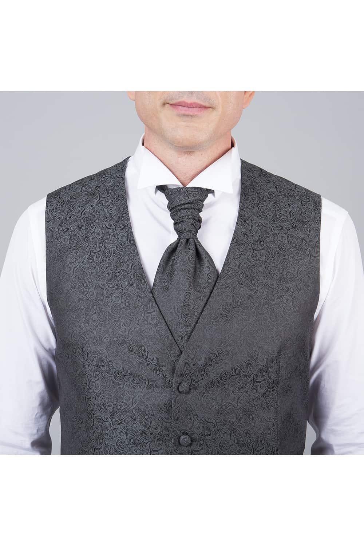 cérémonie tenue grise tailleur cravalière